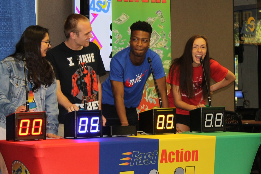 Game Shows To Go's Exclusive portable game show set for Fast Action Trivia