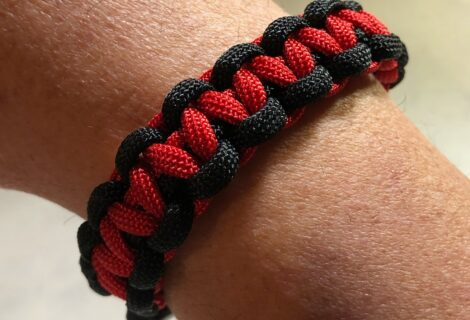 Paracord Projects To Go – Bracelets, lanyards and more