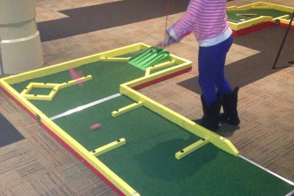 Mini Golf To Go - A-Maze-ing Hole with little girl playing
