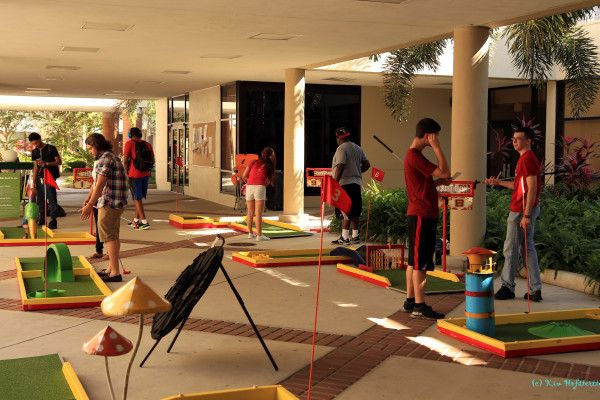 Let's play mini golf at a college
